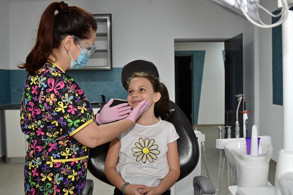 sigilari dentare, fluorizare copii, periaj dentar copii, pedodontie brasov, classmed zambetul meu